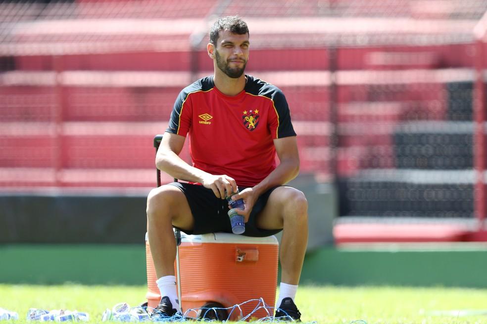 De olho no próximo adversário: Rafael Thyere testa positivo para Covid-19 e não jogará contra o Vasco; confira os outros desfalques do Sport
