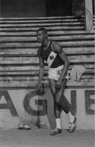 Adhemar competiu no Vasco de 1955 a 1959 e na carreira bateu 5 recordes mundiais (Foto: Centro de Memória do Vasco)