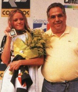 Inge de Bruijn ao lado do vice-presidente Eurico Miranda em 2000 (Foto: Revista do Vasco)