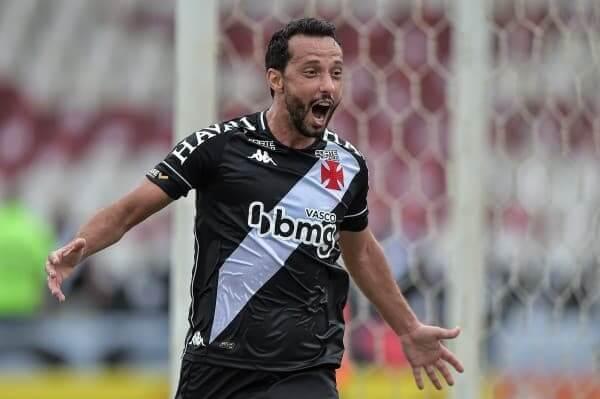 Nenê marcou o primeiro gol após retorno ao Vasco